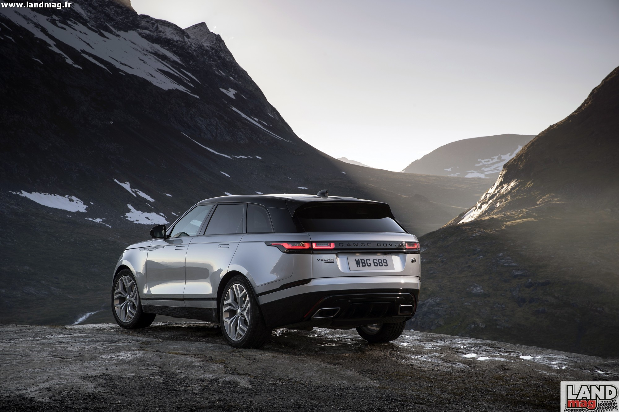 photos premiers essais du range rover velar. Black Bedroom Furniture Sets. Home Design Ideas